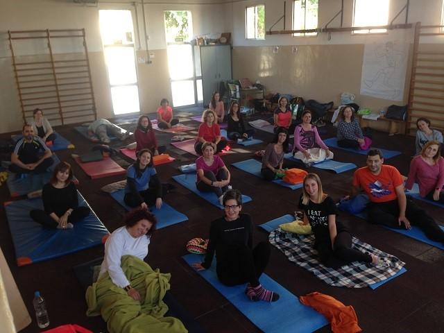 Yoga con el claustro