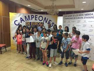 "Entrega del Premio Europeo 2016 al proyecto ""Looking for Beau and Delfi"""