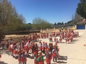 Infantil realizan bailes populares